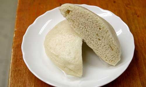 オーサワの玄米蒸しパン、プレーンタイプです。