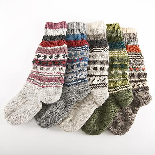 手編みウールのカラフルソックス
