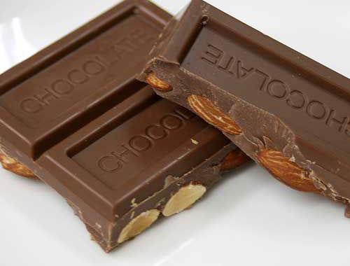 バレンタインラッピング無料!ビッグアーモンドチョコレート